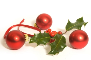 holly-ivy-bauble